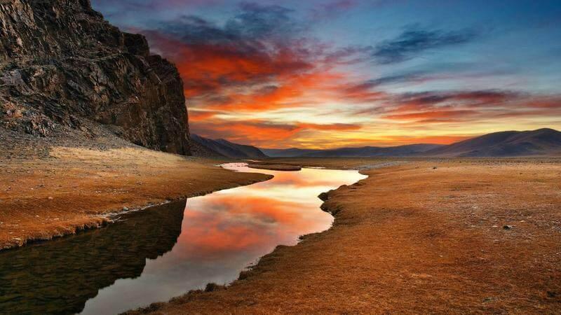 Een weg door de woestijn